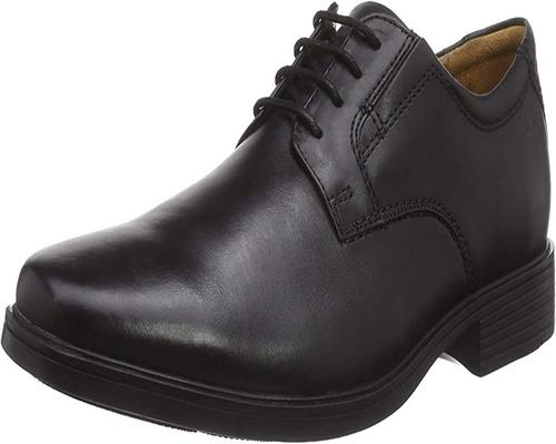 un Oxford Clarks Tilden Plain